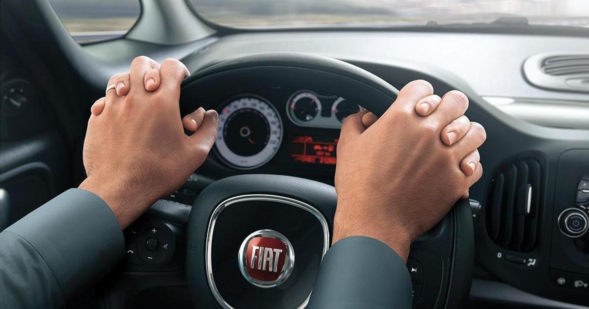 Социальная реклама Fiat напомнила, как держать руль.