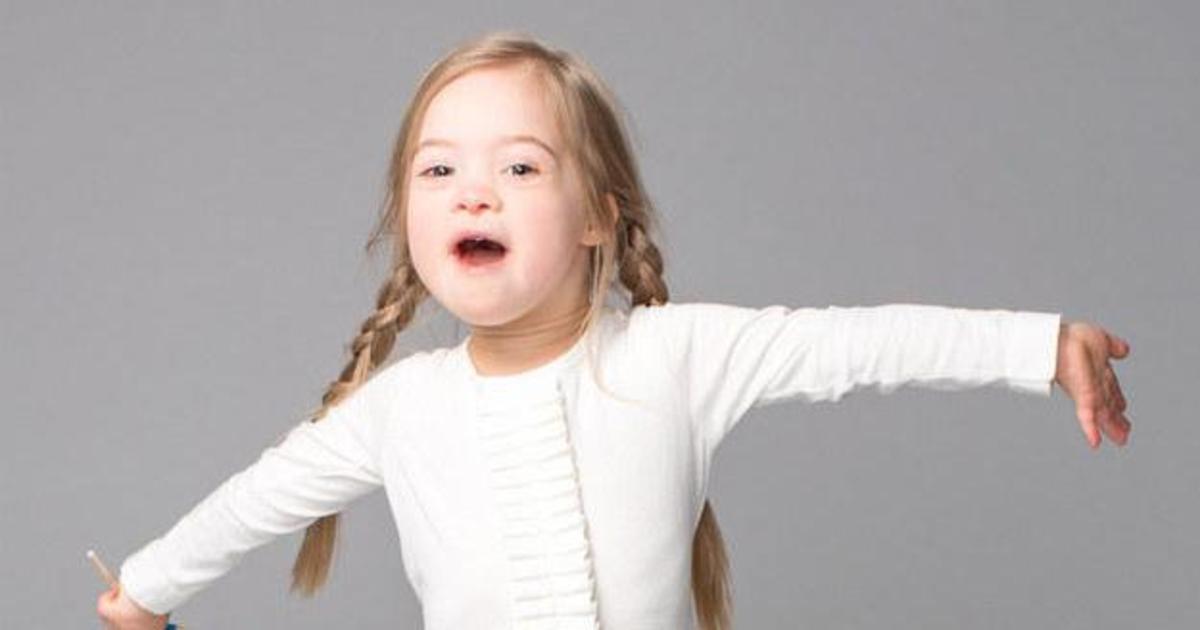 Девочка с синдромом Дауна стала лицом back to school кампании.