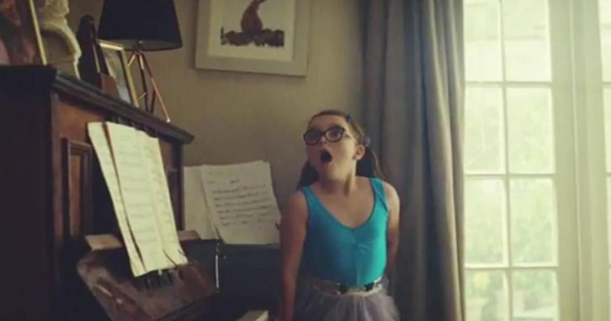 Юная балерина чуть не разнесла дом в милом ролике John Lewis.