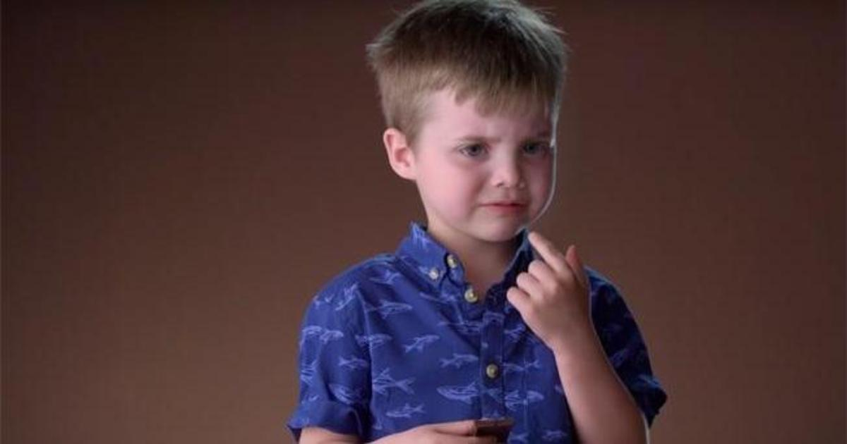 Израильские креативщики показали первую реакцию детей на черный шоколад.