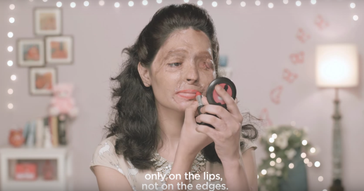 Мастер-класс по нанесению макияжа стал индийской социальной рекламой.
