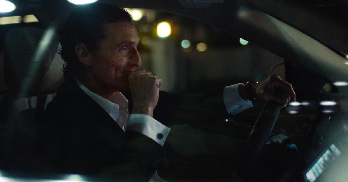 Мэттью МакКонахи продолжает молчать в серии новых роликов Lincoln.