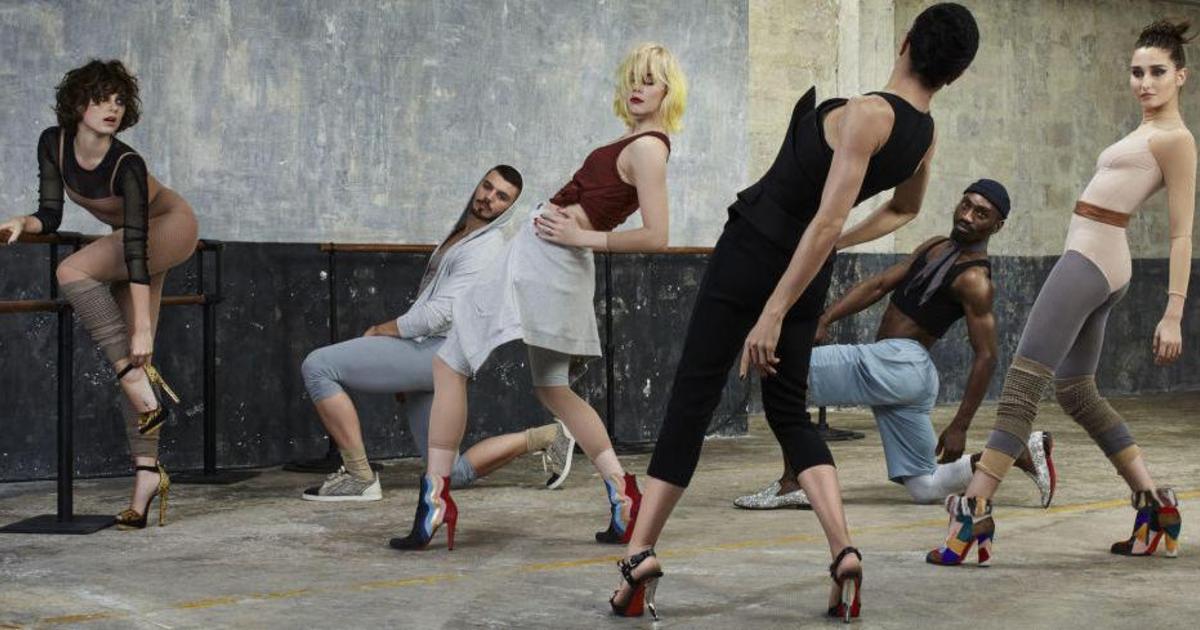 В ролике Louboutin поставил всю трупу на каблуки и заставил танцевать.