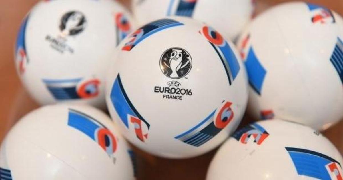 За сборной на Евро 2016 будут следить 59% украинцев.