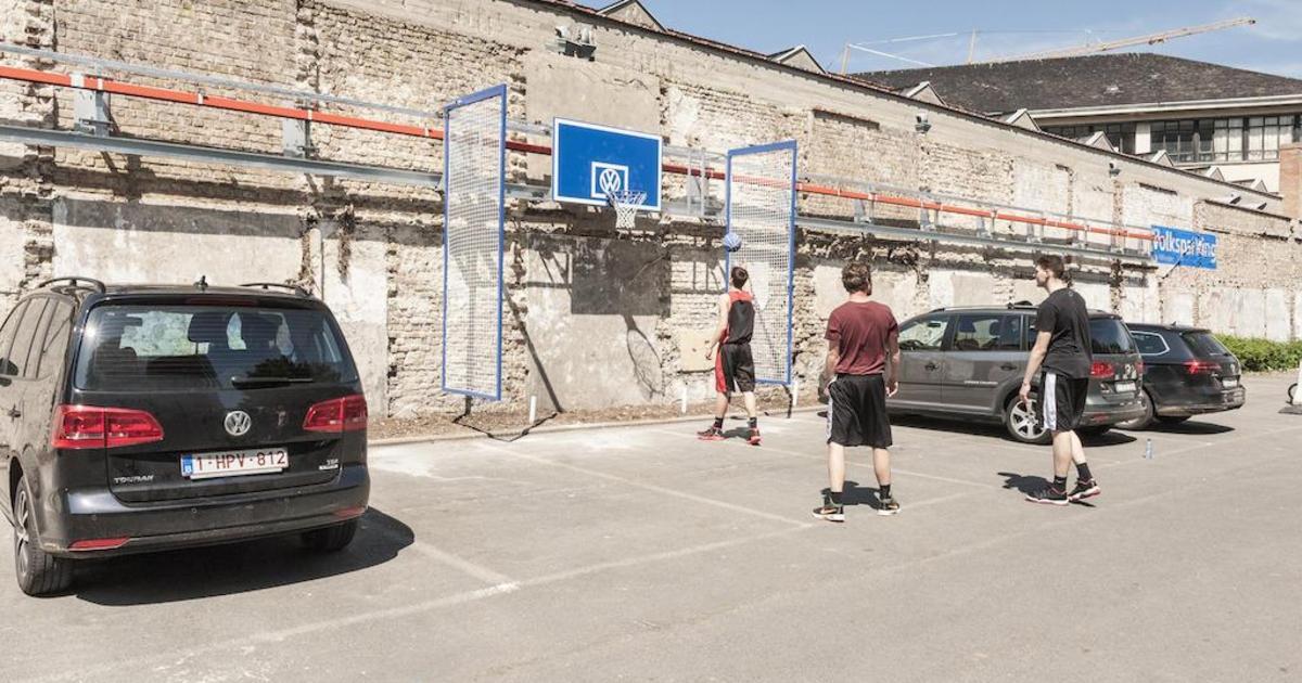 Volkswagen превратил парковки в игровые площадки.