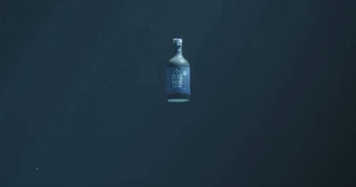 О рисках в море рассказали с помощью фейкового продукта.