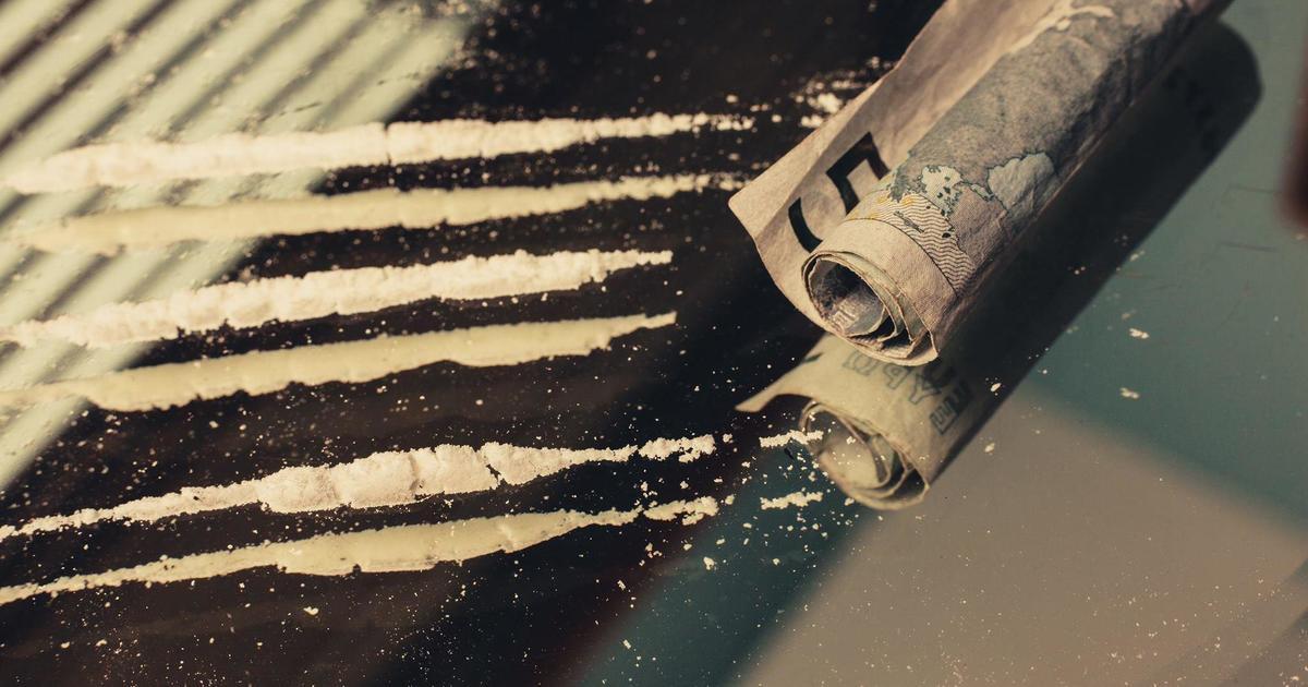 Cекс, наркотики, безкупюр: продает ли ролик услуги Приватбанка?
