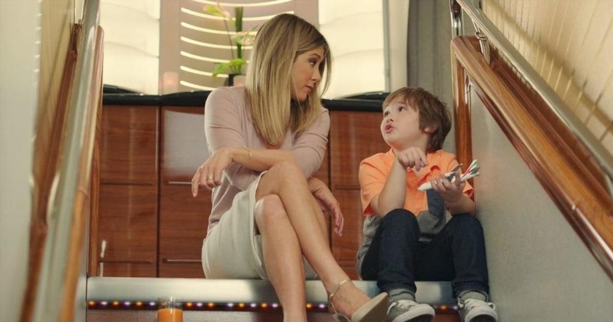 Дженнифер Энистон снялась в рекламной кампании Emirates Airline.
