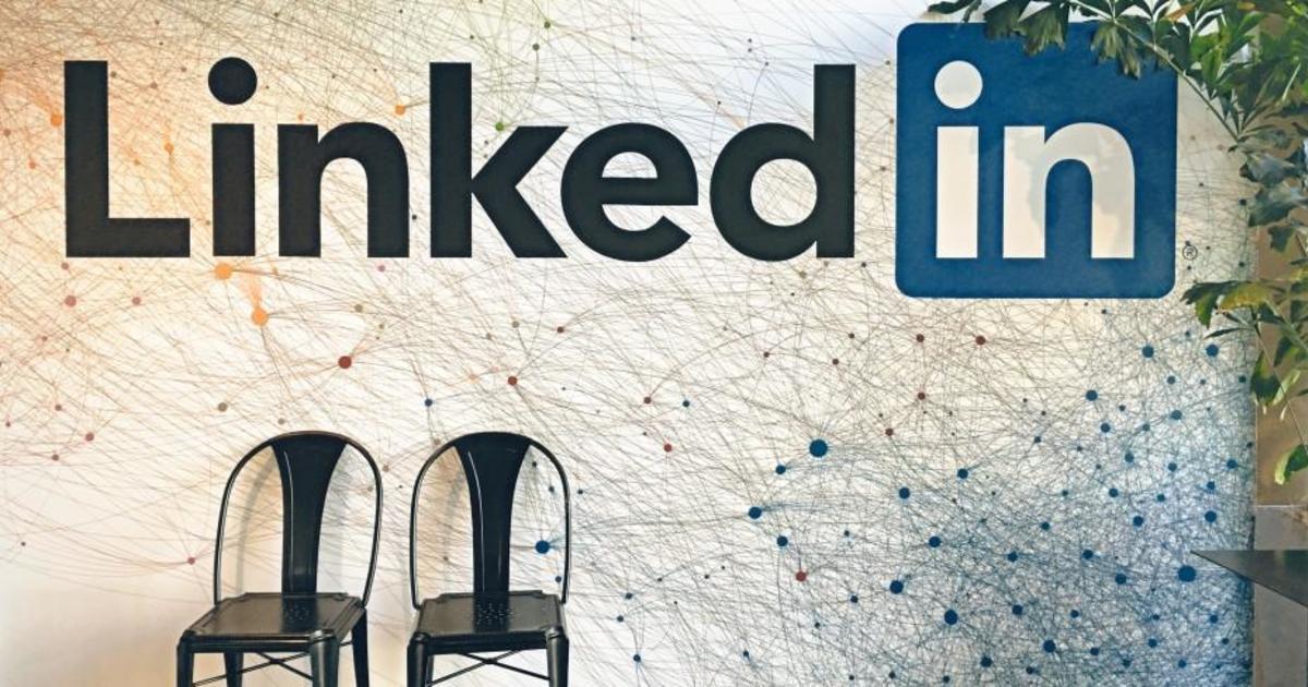 LinkedIn расширяет функциональность сети.