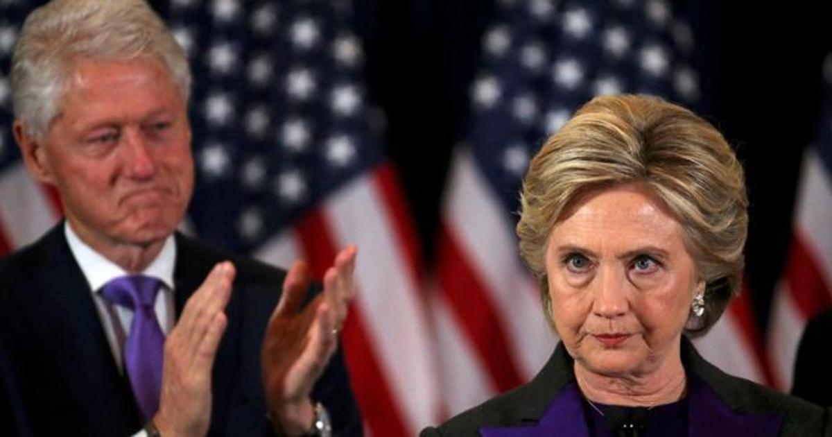 СМИ поверили в фейковую новость про развод Клинтонов.