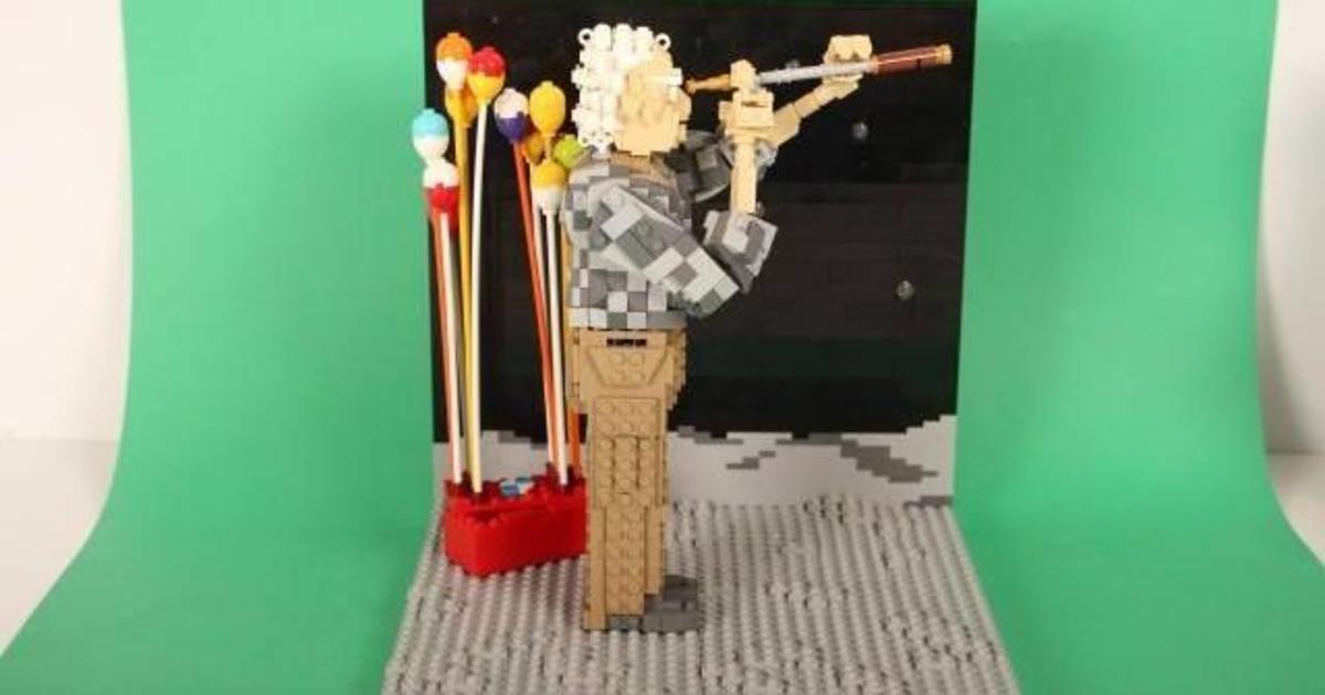 John Lewis воссоздал рождественские кампании из Lego.