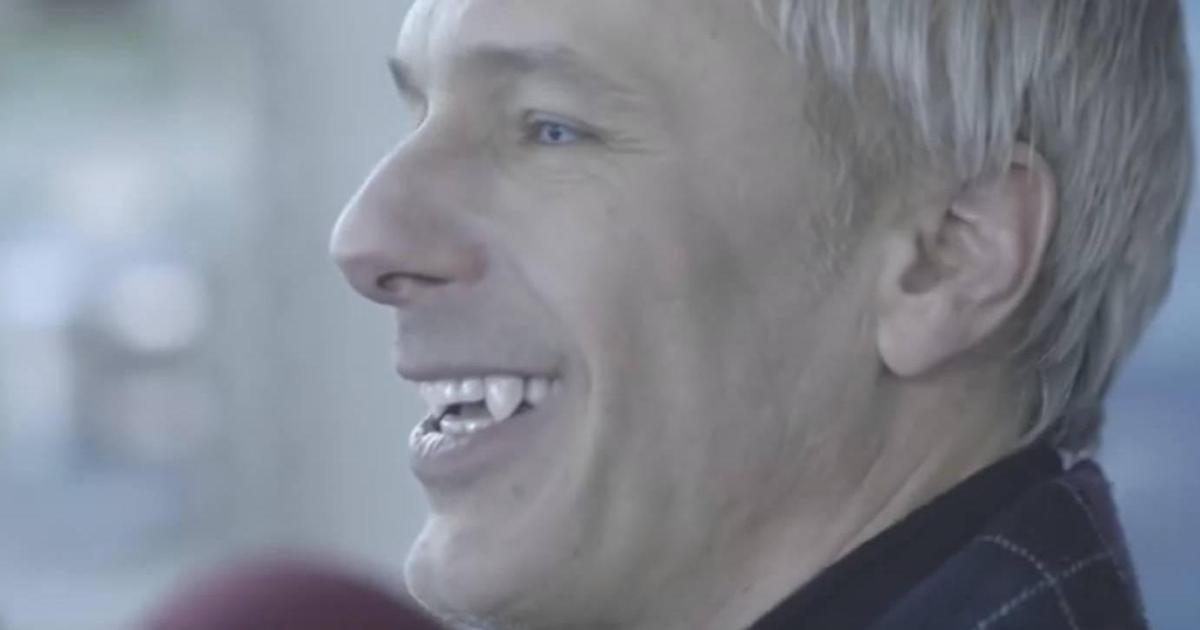 Ритейлер Moyo выпустил новогоднюю кампанию об особых покупателях-вампирах.
