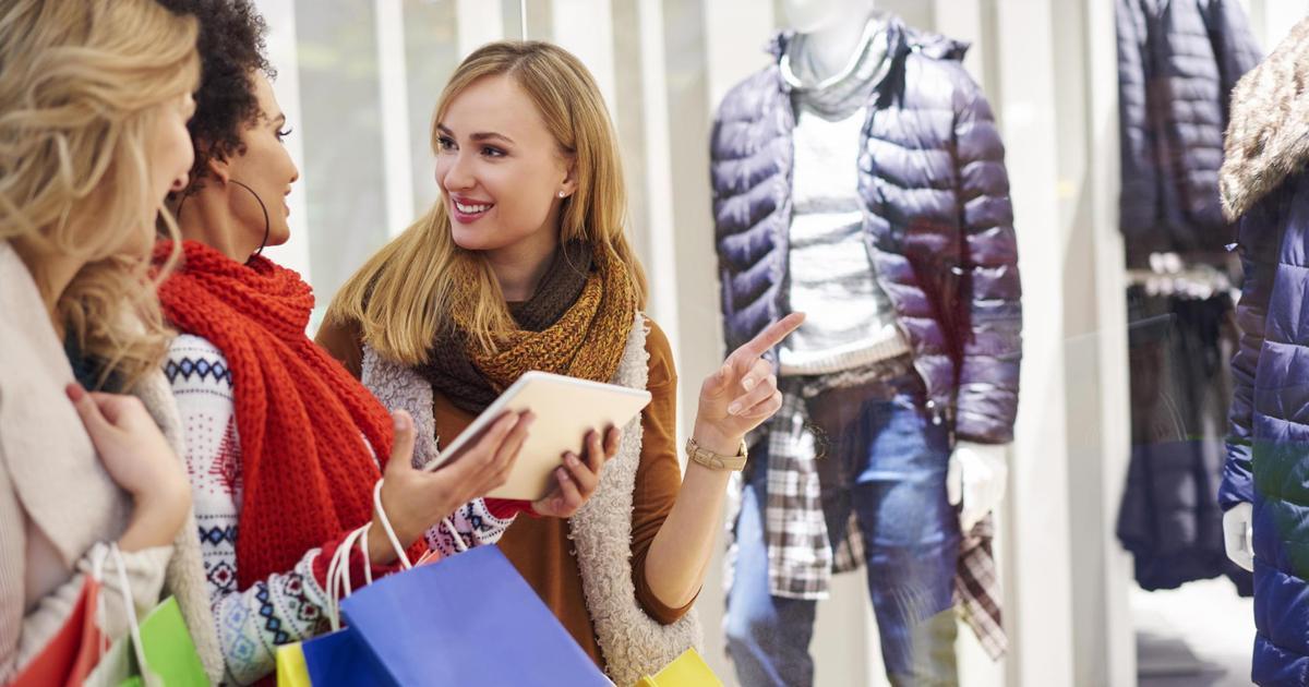 53% женщин совершают покупки под влиянием постов лидеров мнений.