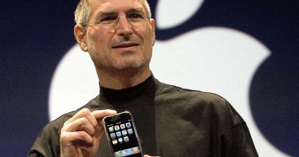 Apple воздала должное Стиву Джобсу в честь 10-летия iPhone.