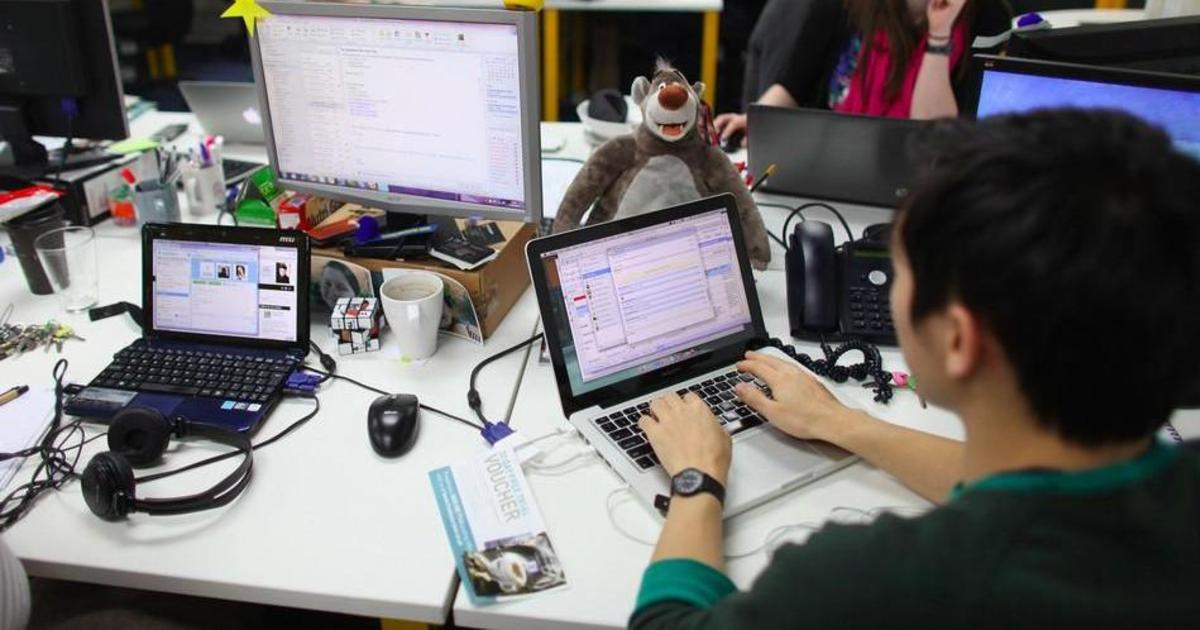 Китайская компания заставила сотрудников проходить 10 тысяч шагов в день.