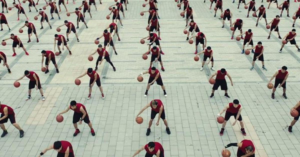 Adidas воспевает индивидуальность кампанией «Один на миллиард».