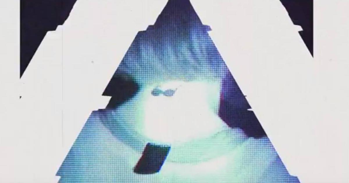 Под ударами басов: бренд очков ворвался на техно-рейв, чтобы снять ролик.