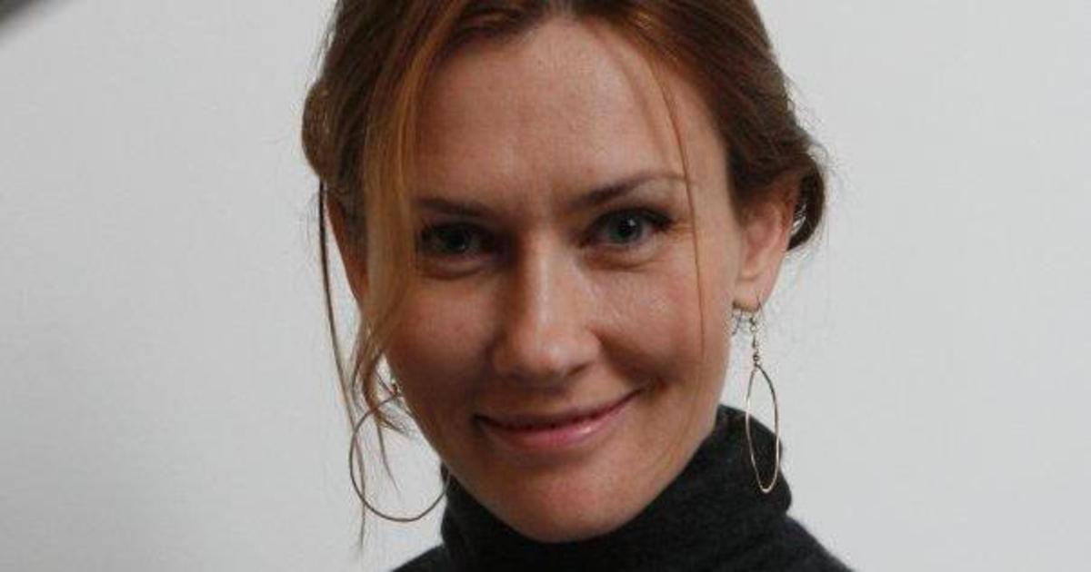 Ирину Новикову в Agama внезапно заменила Евгения Мур.