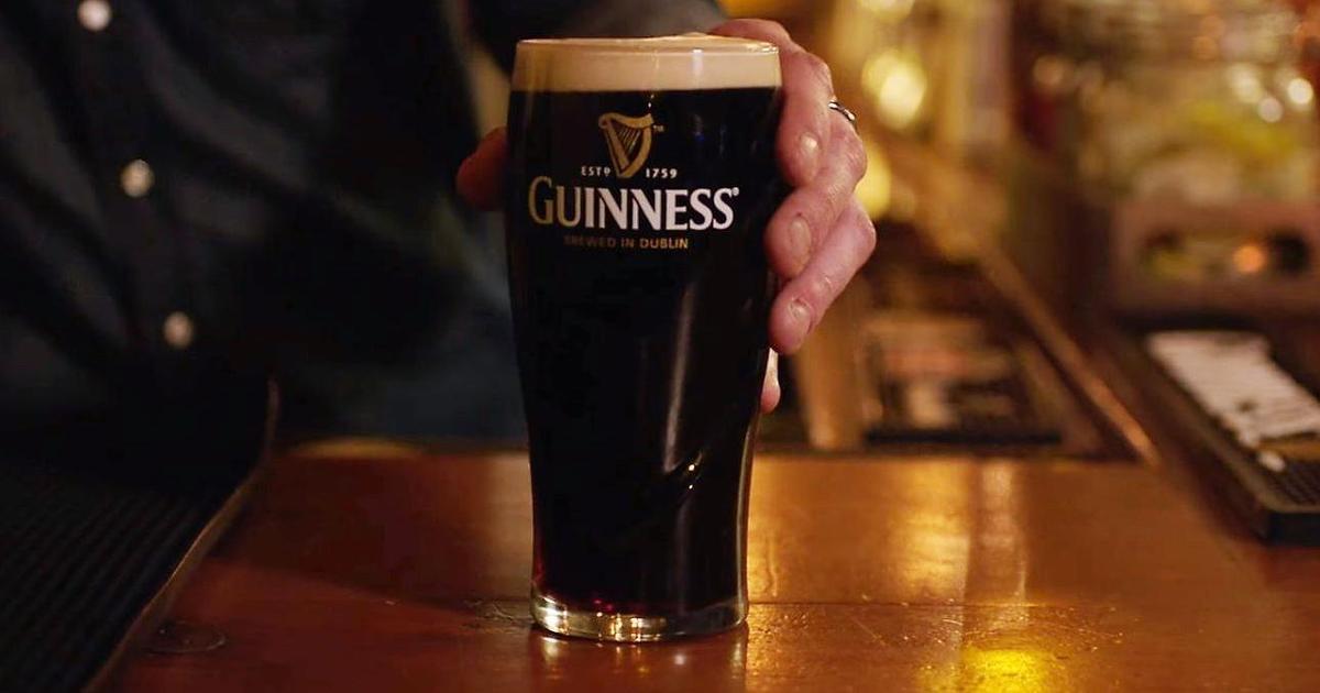 Бармены сняли рекламный ролик для Guinness.