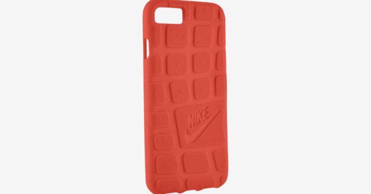 В одном стиле: Nike выпустил чехлы для iPhone 7 в виде подошвы кроссовок.