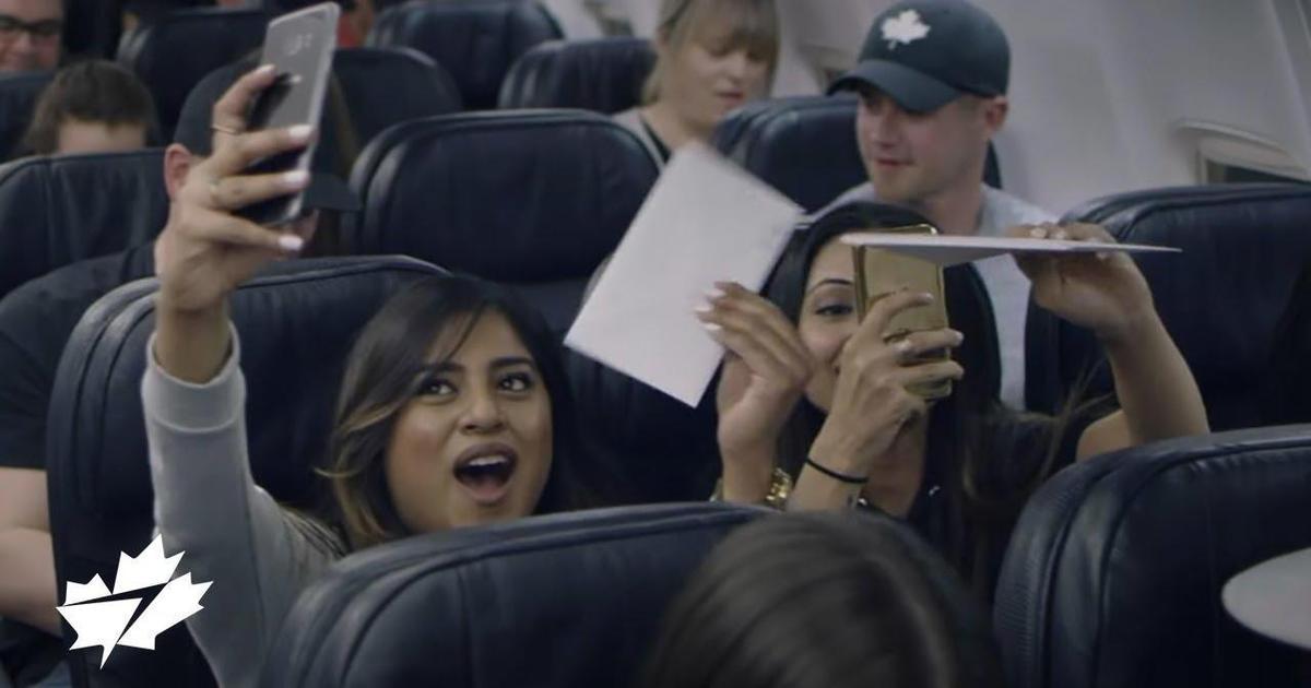 WestJet удивила своих пассажиров по пути в Лас-Вегас.