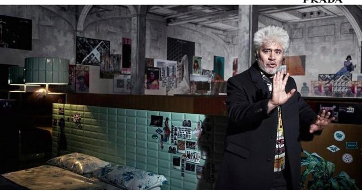Испанский кинорежиссер Педро Альмодовар стал новым лицом Prada.