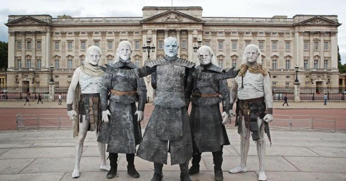 Белые ходоки наводнили Лондон в преддверии 7 сезона «Игры престолов».
