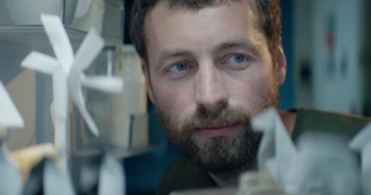 Мальчик создал арктический мир в холодильнике в рекламе Cheil Ukraine.