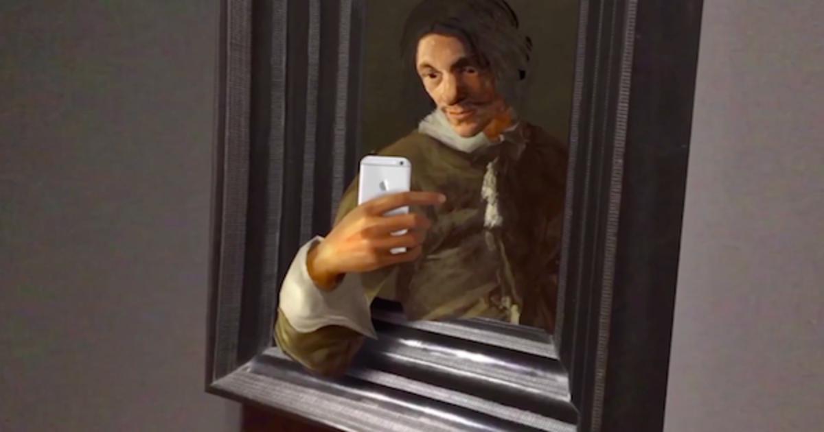 Музей «оживил» классические картины, которые высмеяли эпоху сэлфи.