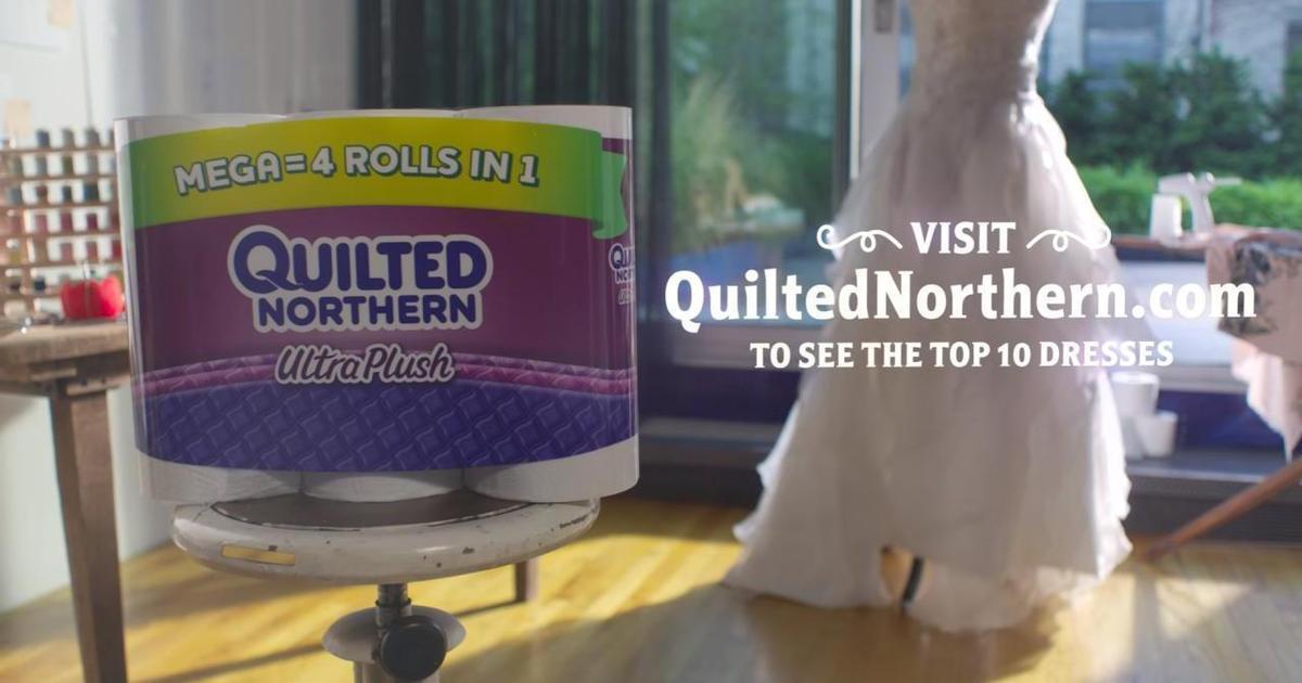 Туалетную бумагу превратили в свадебное платье в ролике от Droga5.