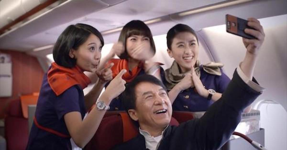 Hong Kong Airlines показала один день из жизни Джеки Чана.