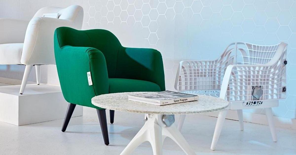 Pentatonic создала мебель из пластиковых стаканчиков Starbucks.