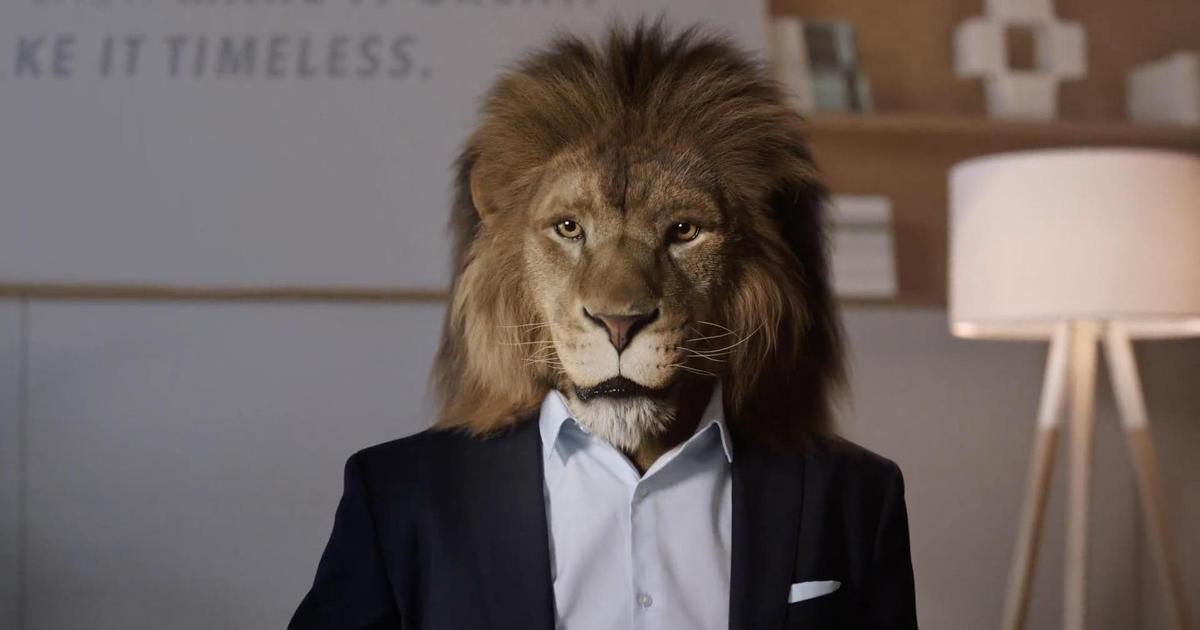 Mercedes Benz приручил льва.