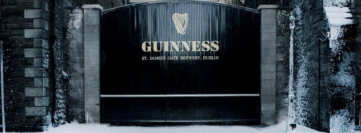 На кураже: лучшие рождественские кампании алкогольных брендов