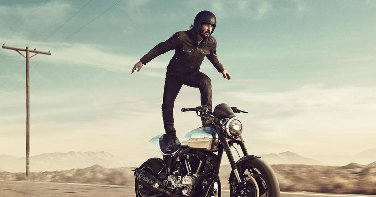 Киану Ривз просто стоит на мотоцикле в ролике для Super Bowl.