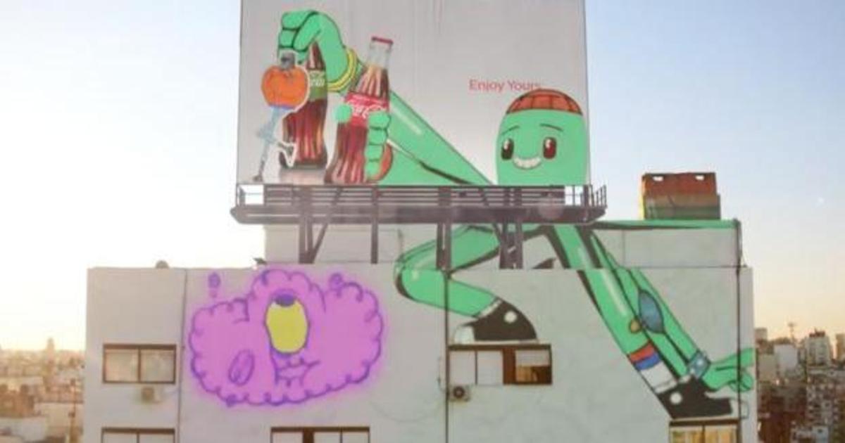 Coca-Cola оживила мурал в веселом ролике от Psyop.