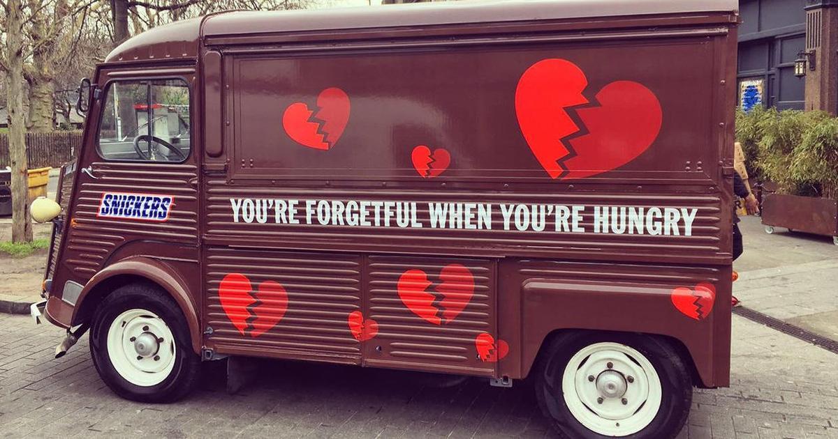 Snickers открыл ресторан для забывчивых пар в День Валентина.