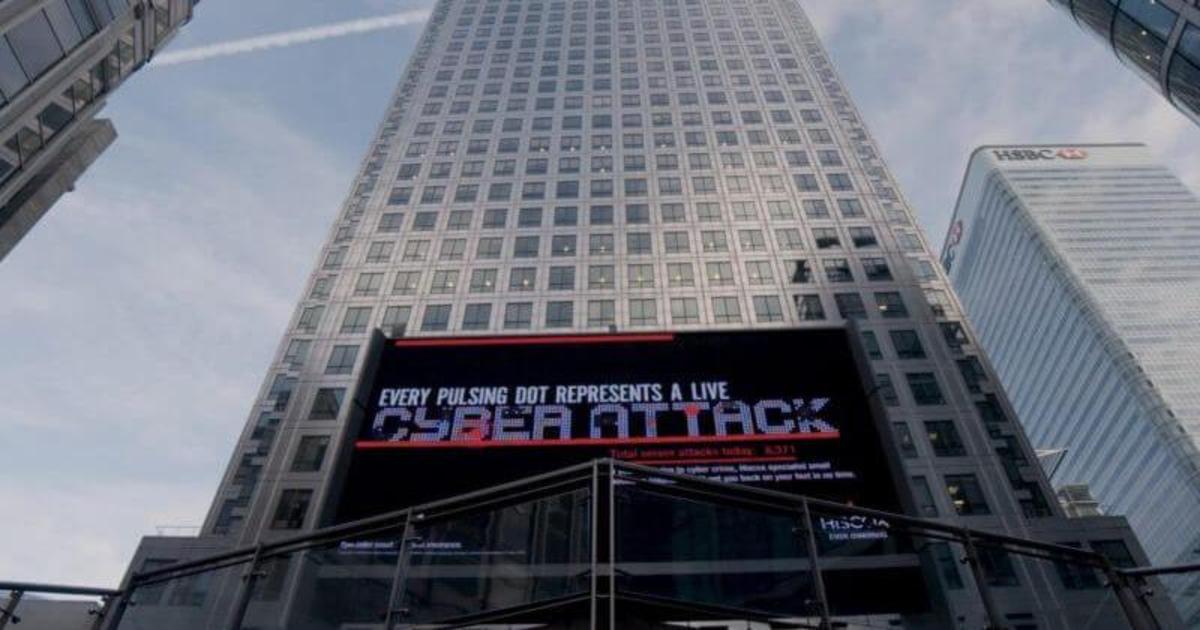 Для страховой компании создали билборд с помощью хакеров.