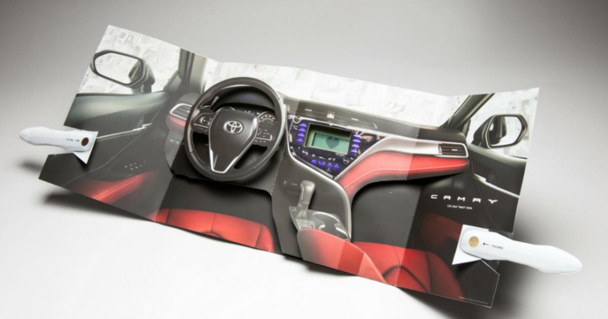 Интерактивная печатная реклама Toyota измерила пульс читателей.