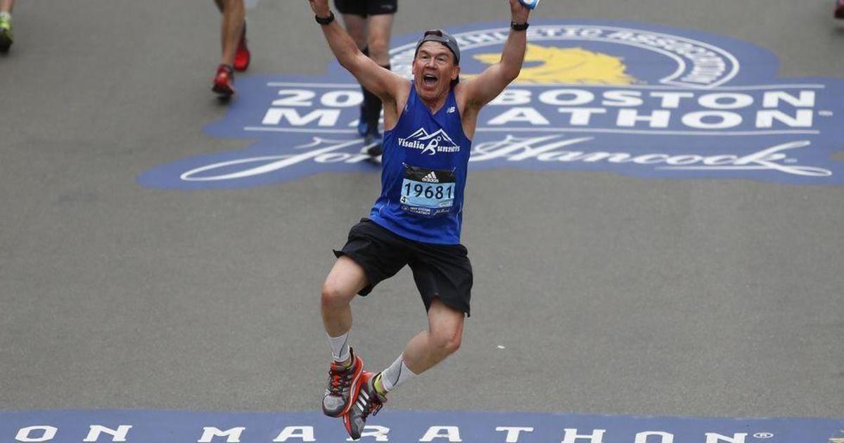 Adidas создаст 30 000 видео для участников Бостонского марафона.