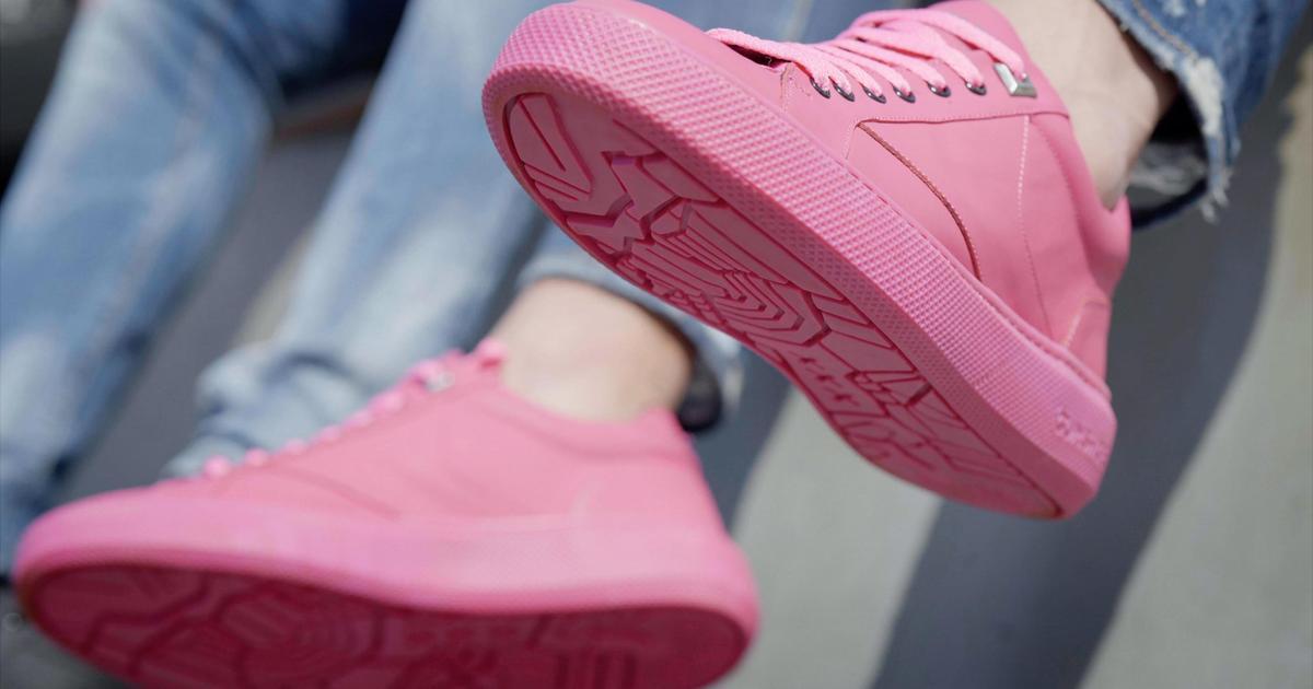 В Амстердаме создали кроссовки из жевательной резинки.