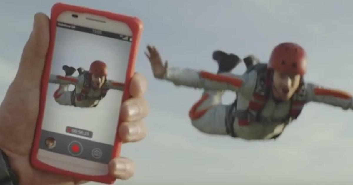 Vodafone призывал беречь эмоции в промо 4G.
