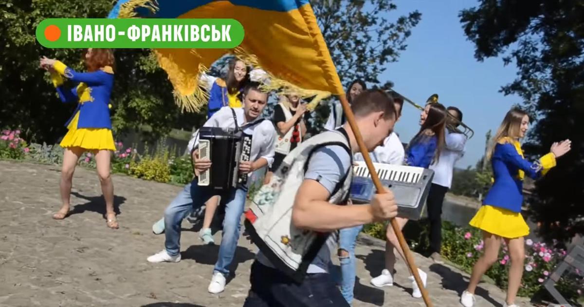 Сотрудники Comfy со всей Украины спели песню для Украины.