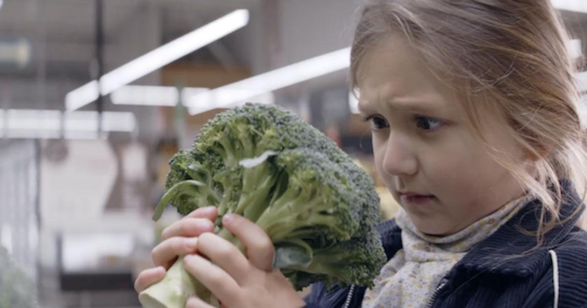 Сеть супермаркетов поощряет здоровое питание с помощью милых историй.
