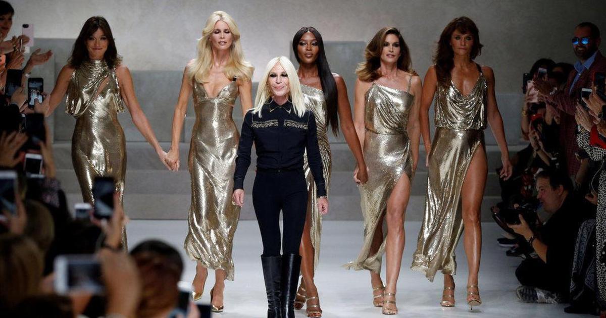 Michael Kors покупает Versace и меняет название.