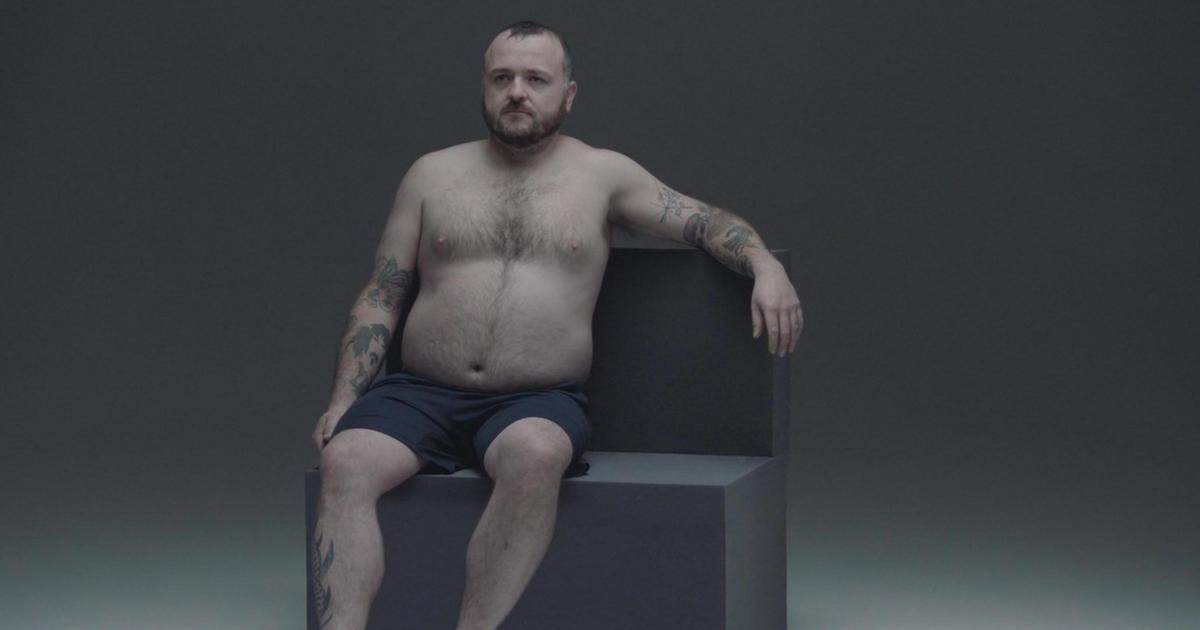 В Австралии создали человека, способного выжить в рекламной индустрии.