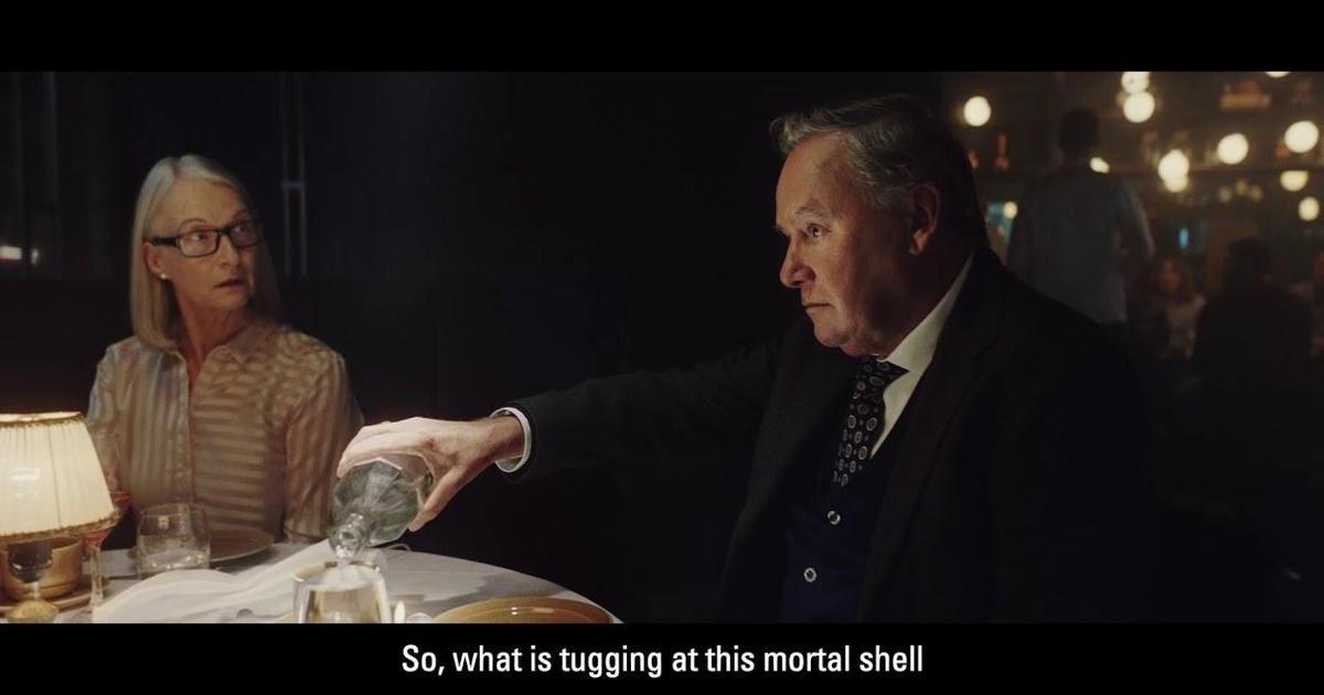 В ролике скандинавской водки посмеялись над традиционной рекламой алкоголя.