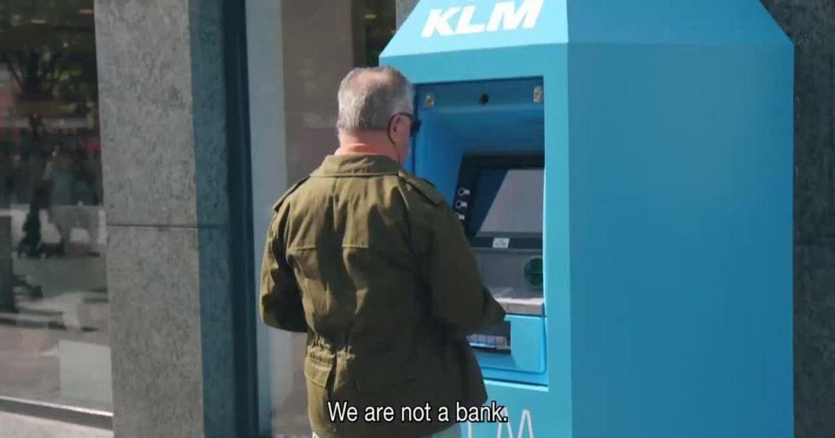 KLM превратилась в радиостанцию, банк и ресторан в эмпирической кампании.