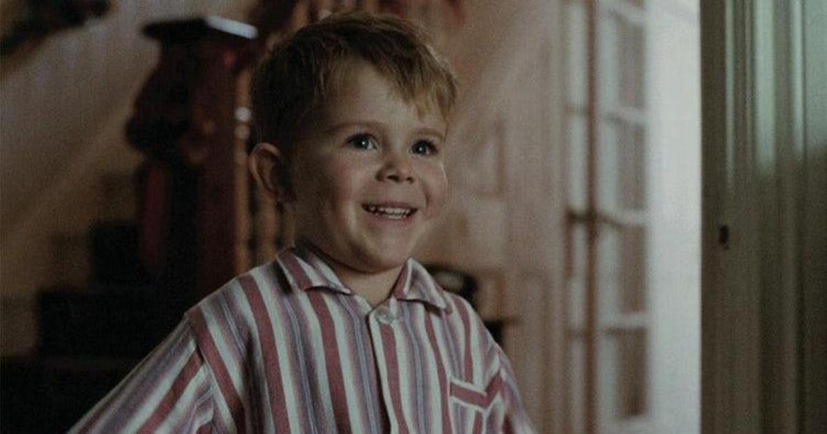 John Lewis выпустил байопик об Элтоне Джоне вместо рождественского ролика.