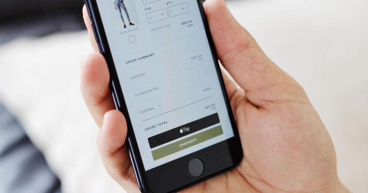 ПриватБанк подключил Apple Pay украинским интернет-магазинам.
